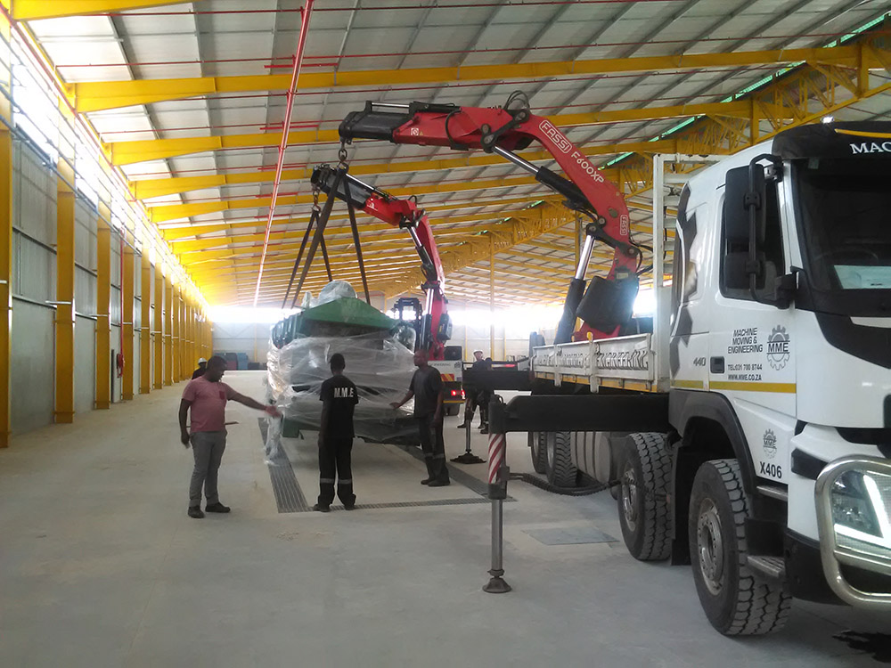 transport-crane-trucks-mme-Machine-Moving-Engineering-experts-machinery-equipment-Gauteng-KwaZulu-Natal